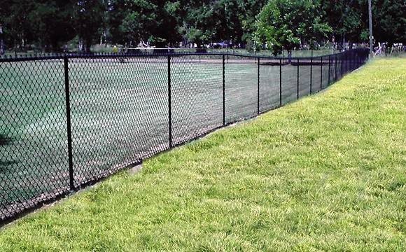 chainlink-fence-001