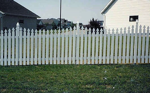 Custom Fence Us Wood Fence Company Wood Fence